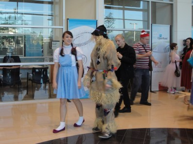 Dorothy and the Scarecrow at the Walking Read