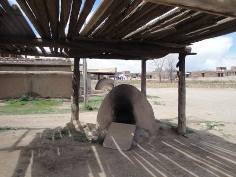 Horno - outdoor adobe oven