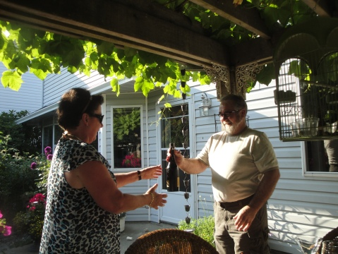 Opening the sparkling wine
