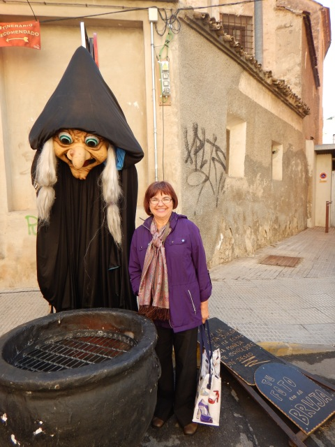It wouldn´t be a medieval fair without a witch and her cauldon