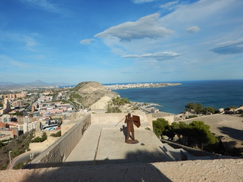 Fascinating views of Alicante and the Mediterranean Sea
