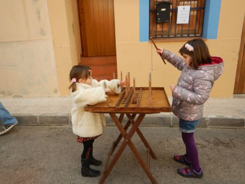 Playing a medieval game