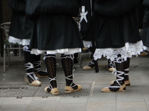 I love the stockings of the float bearers